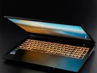 Laptop Aorus 5 MB