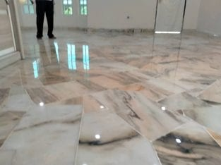 Polishing/marble & parquet floor varnish