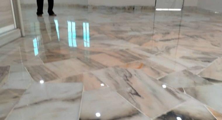 Polishing/marble & parquet floor varnish