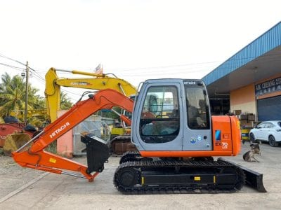 Reconditioned Japan Excavator Model : EX70LCk