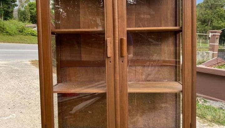Display cabinet antik, kayu jati