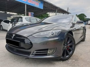 Tesla P85D Performance Model S (85kWh) Year : 2017